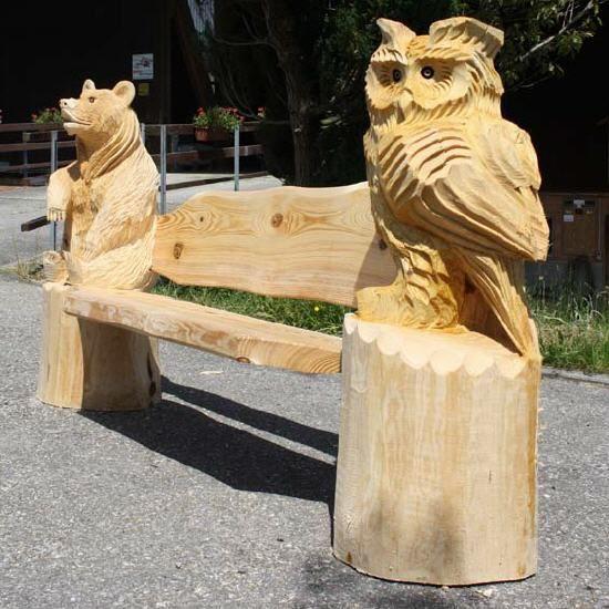 Holzskulpturen motorsägenkunst made by toni flückiger