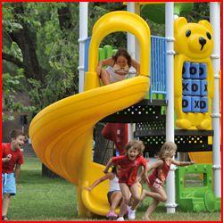 """Al CLUB VILLAGE & HOTEL SPIAGGIA ROMEA Bambini gratis fino al 29 giugno e fino ai 12 anni non compiuti La vacanza tra mare, lago, natura e divertimento 3 possibilità di alloggio, diversi tipi di ristorazione ed un'animazione precisa,educata e divertente. Numerose le attività dedicate ai bambini: ricreative, avventurose cacce al tesoro e mini olimpiadi, educative, come il """"battesimo della sella"""" e coreografiche, come lo spettacolo del Mini-Junior Club."""
