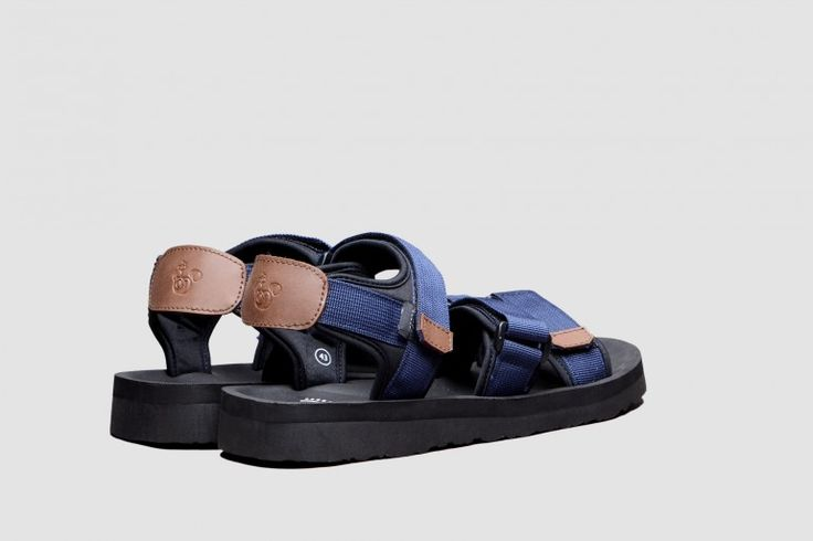the Exture Navy sandals, from Brodo (Indonesia)