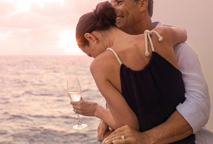 ENJOY A #ROMANTIC #CRUISE RIDE ON THIS #FESTIVAL #SEASON