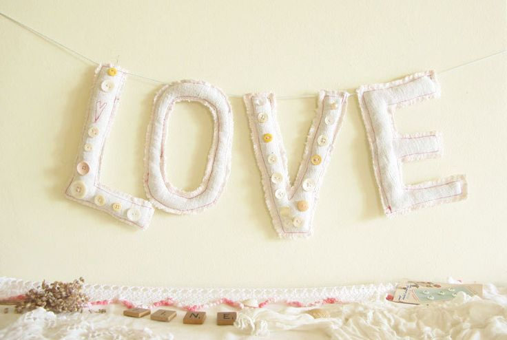 LOVE lettres-coussin