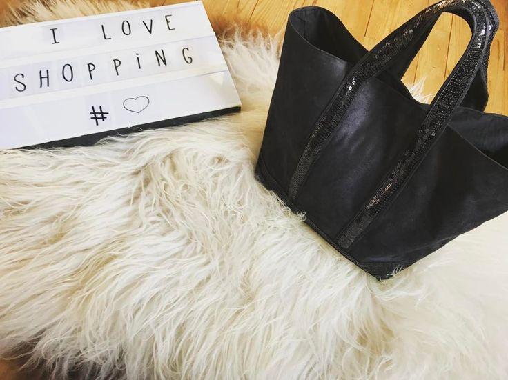 """32 mentions J'aime, 14 commentaires - ᴄʜᴀs'ᴘᴇʀʟɪᴘᴏᴘᴇᴛᴛᴇ (@chasperlipopette) sur Instagram: """"Les mamans aussi ont le droit à leur petite attention ••• • • • #commande #boutique #prenom…"""""""