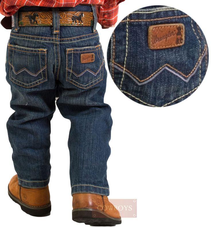 Calça Baby Wrangler Cowboy  Calça Jeans, marca  Wrangler,para bebês  com bolsos bordados, cós tradicional, jeans de alta qualidade e muito confortável, possui ajuste interno para facilitar na hora de vestir seu cowboy