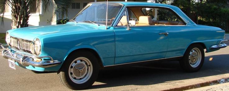 Renault Torino Coupé TS 73 color azul malvinas, totalmente original (no fue restaurada).  http://www.arcar.org/autosantiguos.aspx?qmo=torino