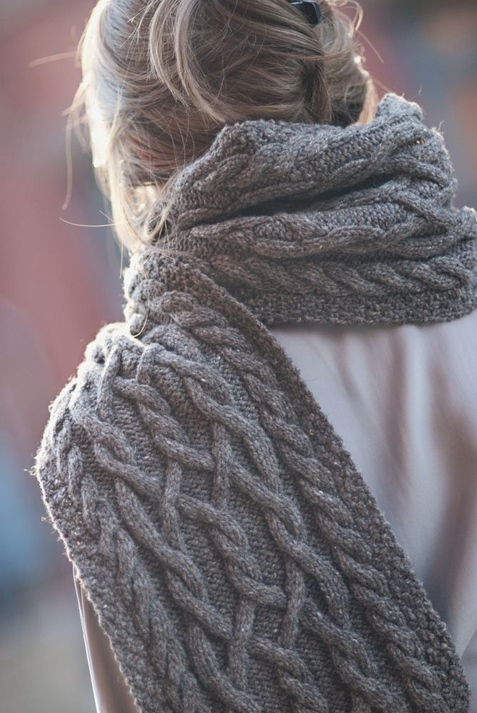 1000+ ideas about Cable Knit Scarves on Pinterest Hand knit scarf, Knit sca...