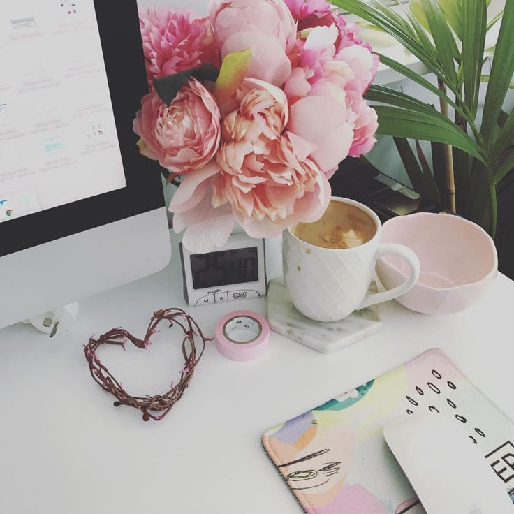 "Tanya Northey (@lucky44_) on Instagram: ""Everything I need to conquer faffing and procrastination.... coffee, timer and pretty things !!…"""
