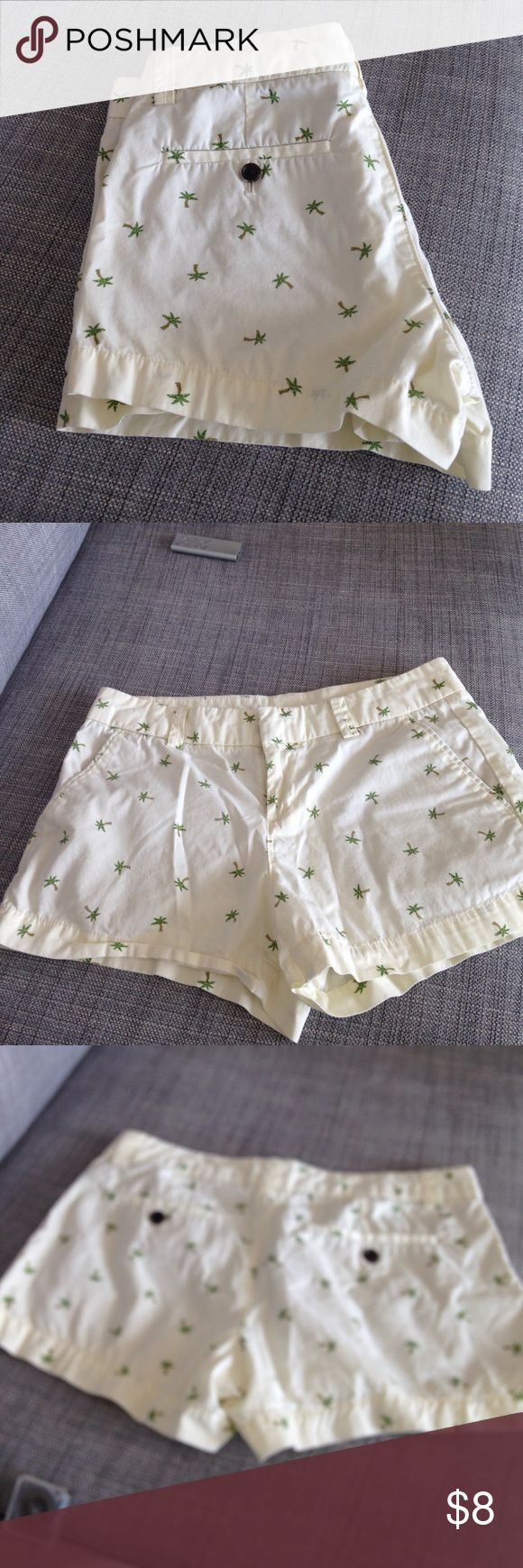 Cute print shorts. Cotton. Uniqlo Short pants. Very cute. Ivory color with green tree print. Uniqlo Shorts