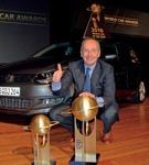 "Volkswagen ""piglia tutto"" ai World Car Awards    La Polo è World Car of the Year, e la gamma BlueMotion vince la sfida ecologica.  A seguire la nomina in Europa di ""Car of the Year 2010"", la Polo replica l'affermazione ai World Car Awards. Nella consegna dei premi all'International Auto Show di New York, i 59 membri della giuria han..."
