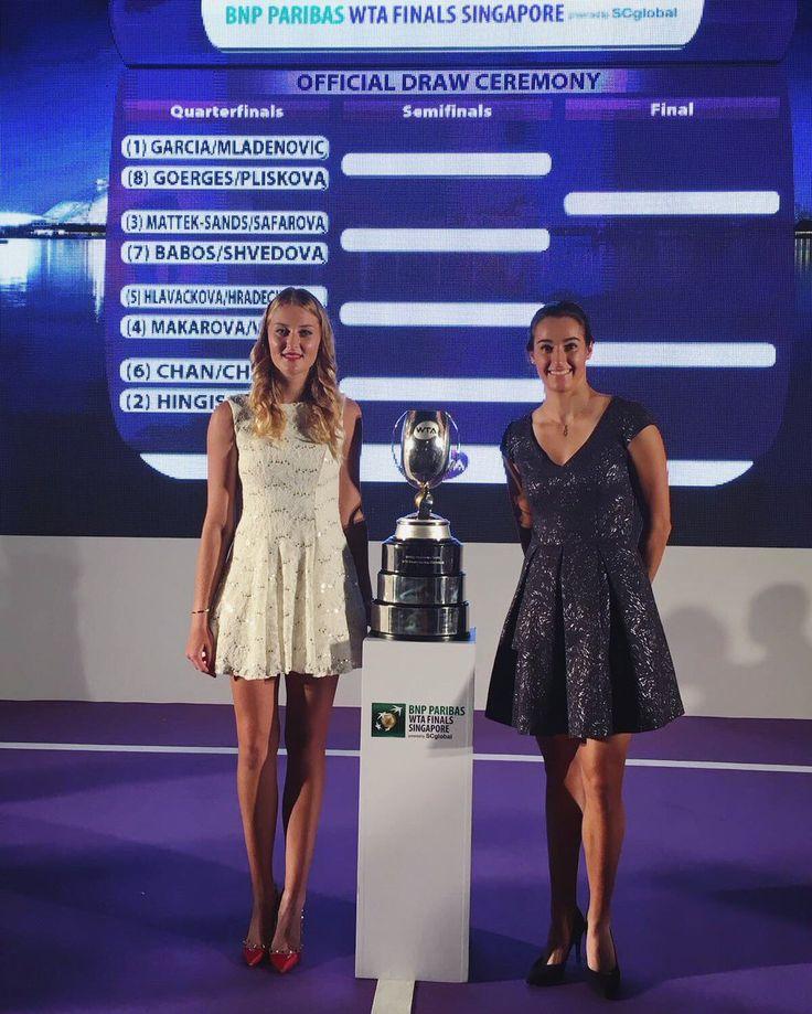 Via Kristina Mladenovic  - Kiki   ·     Draw opening ceremony WTA Finals avec Caroline Garcia allez👯🇫🇷☺️