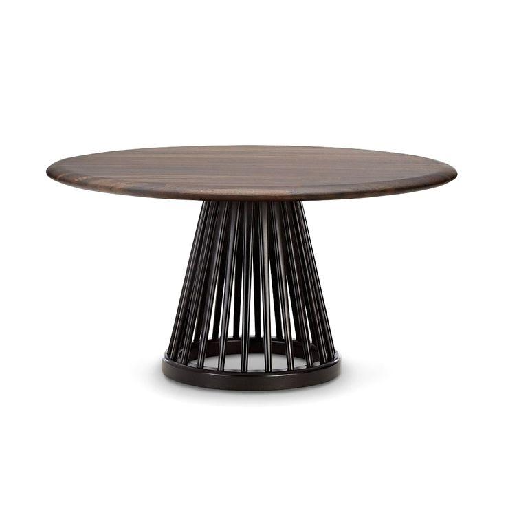 Fan Table, ett soffbord från Tom Dixon, designat i en modern tappning av den klassiska Windsorstilen. Det semitransparenta underredet ger bordet ett luftigt uttryck trots den solida skivan. Borden med underrede i björk alternativt ek har ett antal olika bordsskivor att välja mellan. Fan Table finns även med mindre bordsskiva – Fan Table 60 cm.