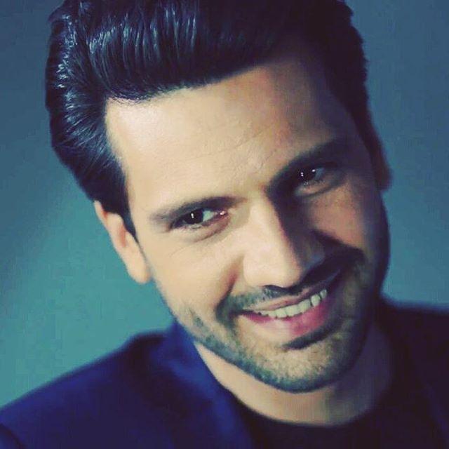 Bu güzel gülüşle her kese selam @kaanurgancioglu --SabinA