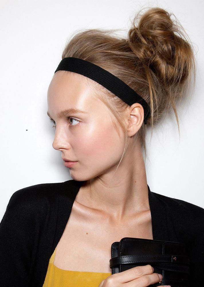 Back to School Hairstyles 2017   Hair Ideas   messy bun + headband #Diyhairstyles
