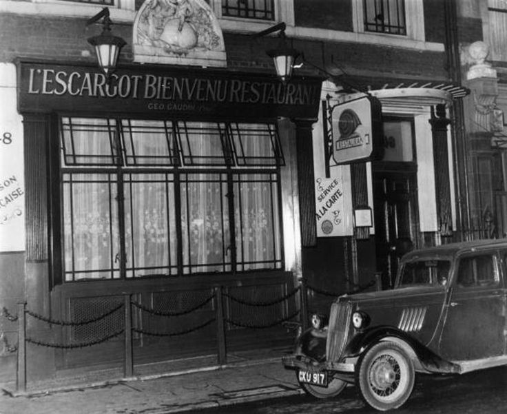 Exterior of L'Escargot restaurant in Soho, London. (Photo by Express/Express/Getty Images) c1950s