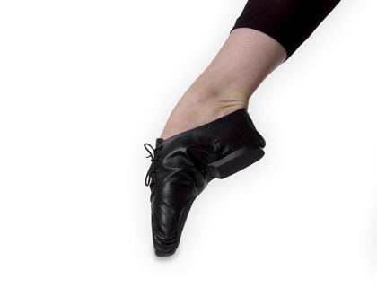 Ref: RSJS    Economical split sole jazz shoe made with lightweight superior soft leather. Rubber sole and heel.
