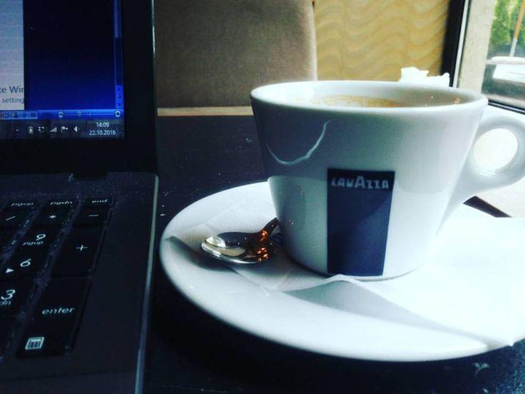 ' Fă'te cunoscut cu ceea ce faci tu, ca şi cum masa ta de diseară depinde de asta '   #coffee; #writer; #SocialClub  www.talosdarius.ro