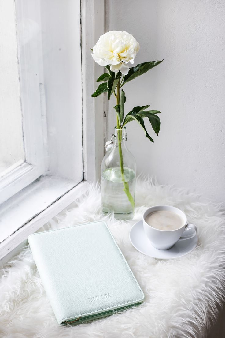 Morning essentials: cup of coffee and La Mania leather #organizer in pastel pistachio colour! #lamania #accessories