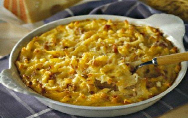 Κοντά ζυμαρικά με τυριά και μπέικον