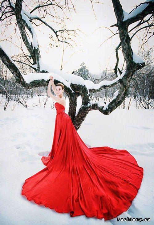 Красное платье / образы с красными платьем