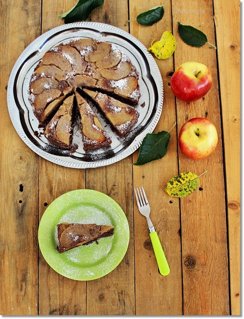 Gizi-receptjei.  Várok mindenkit.: Fordított almás-diós csokoládétorta.