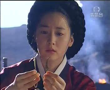 dae jang geum   Jang-geum (efectuand prima operatie de cezariana)