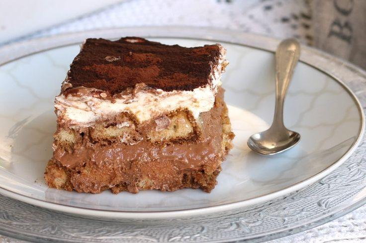 Il tiramisu alla nutella è un semifreddo che si prepara in 20 minuti, senza cottura, facilissimo e stra goloso. Il dolce estivo per eccellenza.
