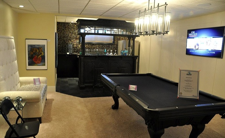 Downstairs rec room i love the all black pool table for Rec room pools