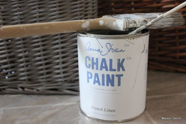 Update boring baskets by using Annie Sloan Chalk Paint on them to get the new weathered look so popular right now via Maison Decor: Bathroom Latest: baskets, vanity and fabrics