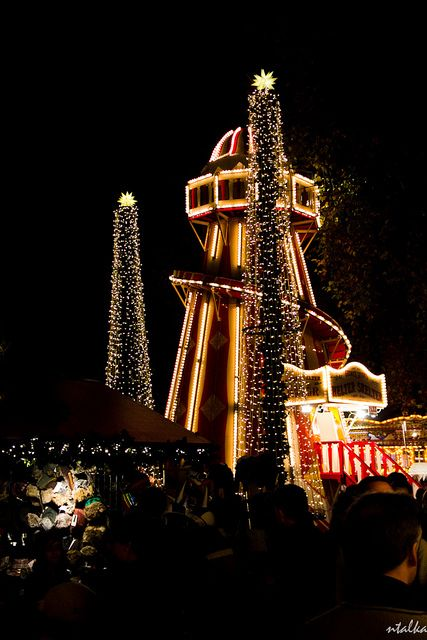 Christmas in Hyde Park, London.... I must experience Christmas in London!