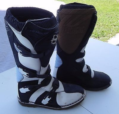 FOX RACING DIRT BIKE QUAD/ATV BOOTS Color: WHITE BLACK BLUE Size: GIRLS WOMEN'S SIZE US 10 EU 42.5 Great Condition, Not even broken in. Matching Helmet, Shirt, and Pants are also available, check my o