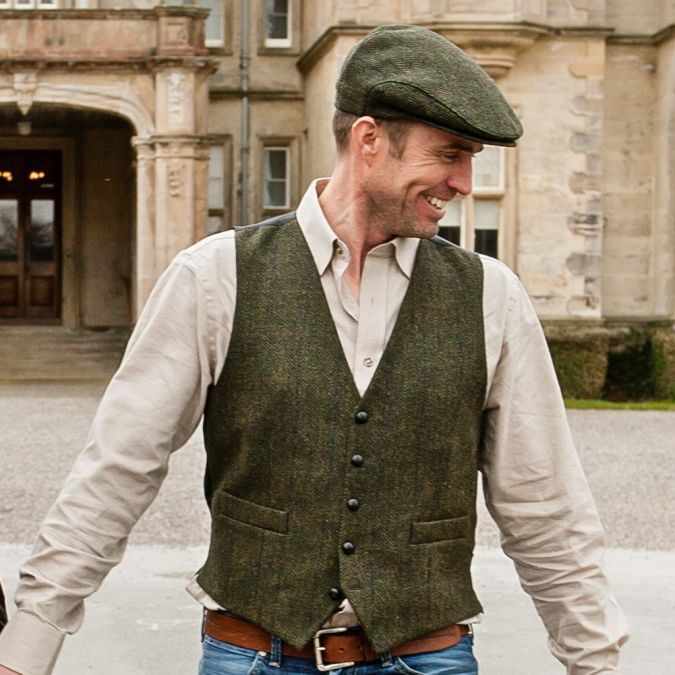 Irish Clothing for Men Save Up To 40% Off Now. Our stunning collection of Irish clothing for men features all of your much-loved favorites; from the iconic Aran sweater, borne out of necessity by the shores of the Atlantic in the west of Ireland, to the classic Irish flat cap, woven in the Kingdom of Kerry using age-old traditional methods.