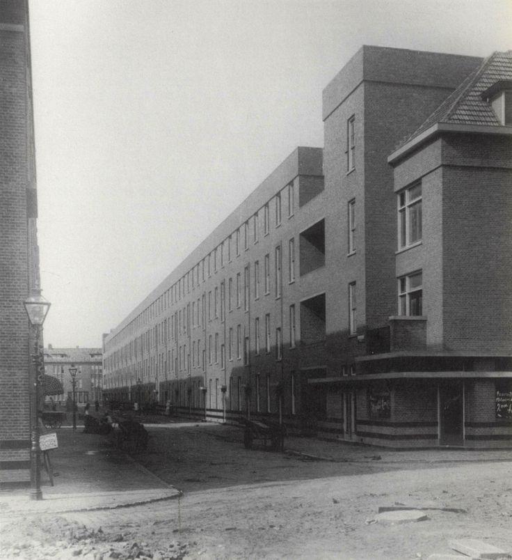EUD I J.J.P. Oud: Spangen Blocks, Rotterdam   1918