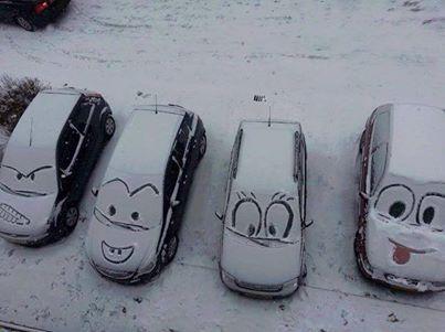 Non potevamo non condividere questo simpatico e divertente scatto della #neve! Abbondanti nevicate in #Trentino e... il #divertimento non manca mai! #snow #TrentinoNeve #familyhoteltrentino #fun