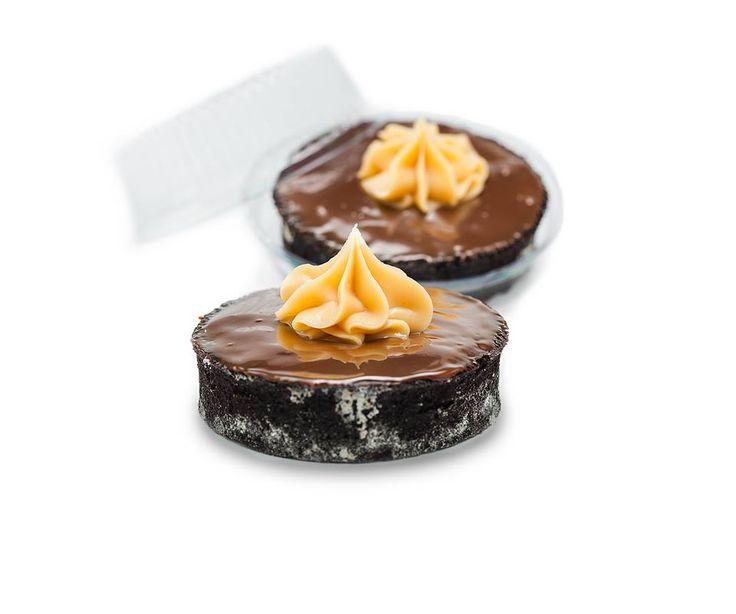 Especialidade Libe Confeitaria: Tortelete de Chocolate - Recheada com brigadeiro, base amanteigada de chocolate e coberta com ganache