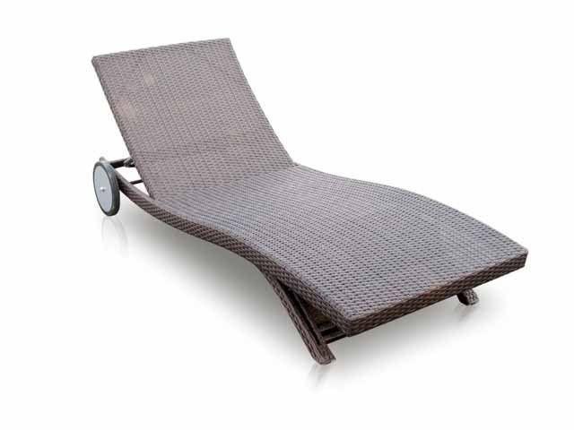 Метки: Кресло шезлонг для дачи.              Материал: Металл, Ткань, Пластик.              Бренд: Skyline design.              Стили: Скандинавский и минимализм.              Цвета: Бежевый, Темно-коричневый.