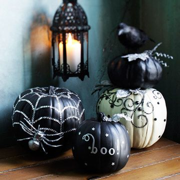 Love these.: Halloween Decoration, Black And White, Halloween Fall, Halloween Pumpkins, Fall Halloween, Holidays, White Pumpkins, Halloween Ideas, Halloween Party