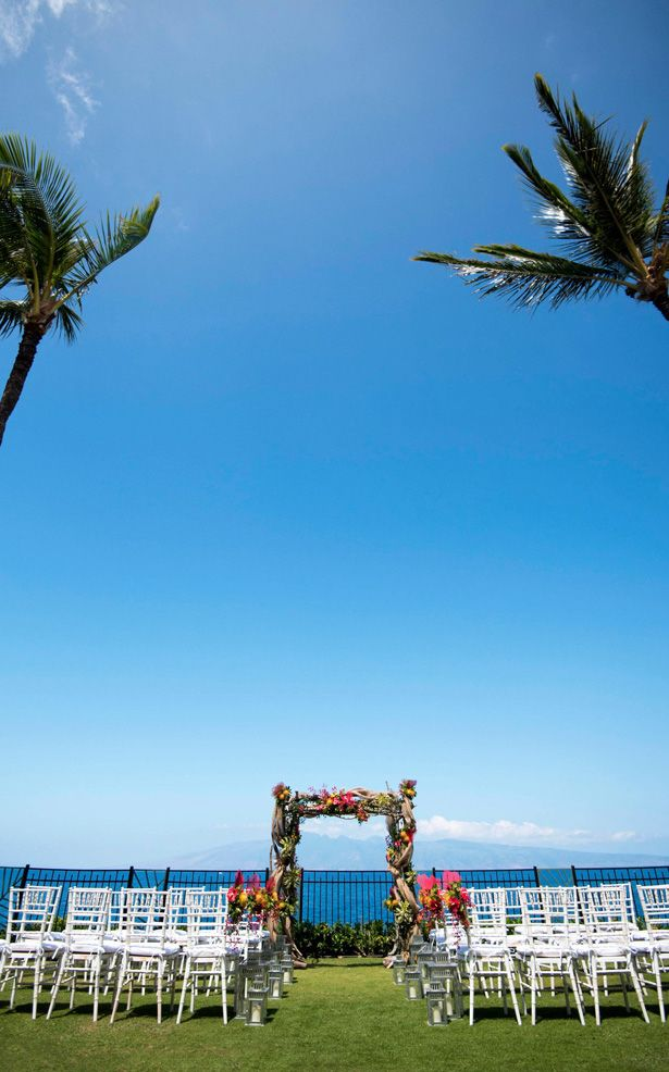 5 Reasons Why Hawaii Is The Perfect Place For Your Destination Wedding Belle The Magazine Hawaii Destination Wedding Destination Wedding Places Hawaiian Destination Weddings