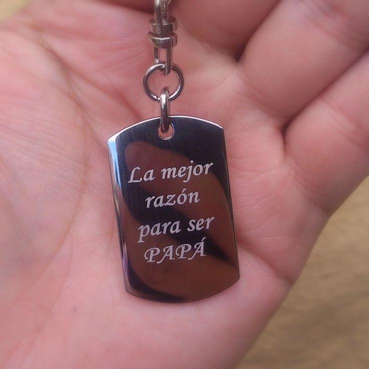 Llavero personalizado con mensaje y foto en metal para Dia del Padre  #Mensajes #Dedicatoria #Mgrabados #Grabados #Llaveros #Colombia #Foto #Familiar #Hijas #DiaDelPadre #Joyas