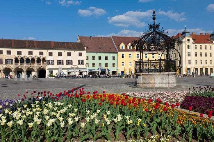 Hauptplatz von Bruck an der Mur im Sommer