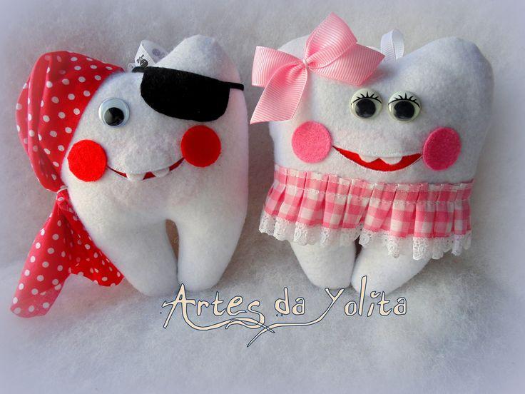 Dentes em feltro, para guardar o primeiro dentinho...