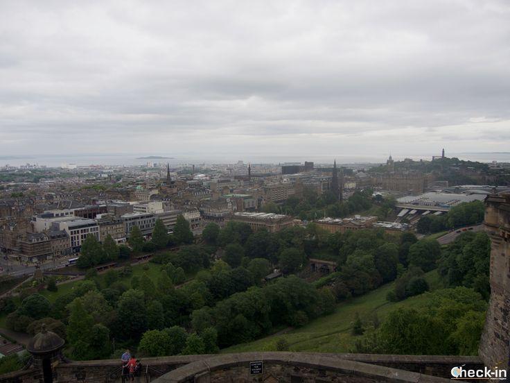 Scorcio di Edimburgo dalle mura del suo Castello, #scozia