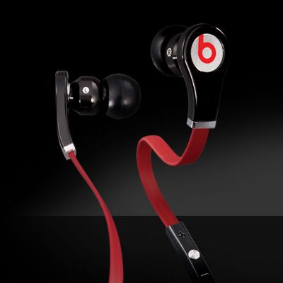 The Beats Headphone Tour Red has its character, flatter headphones wire looking so stylish. And the color red wire will  meet your visual.