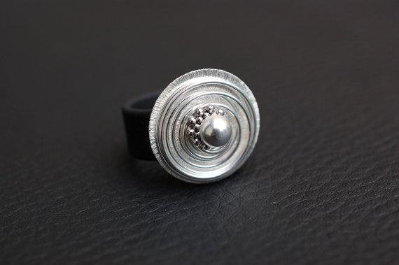 Wechselring mit silberner Spirale von nicesilver auf Etsy, €19.00