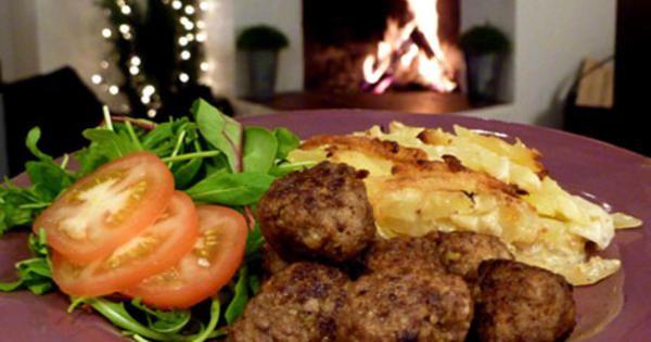Jessicas grymma köttbullar, Pernilla Wahlgrens svägerskas recept. Köttbullar som är jättegoda både till jul, påsk eller till vardags.