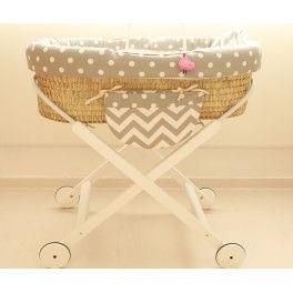 Moisés mimbre artesanal para bebé..Telas import coordinadas para #twins con bolsillo y muñeco a juego