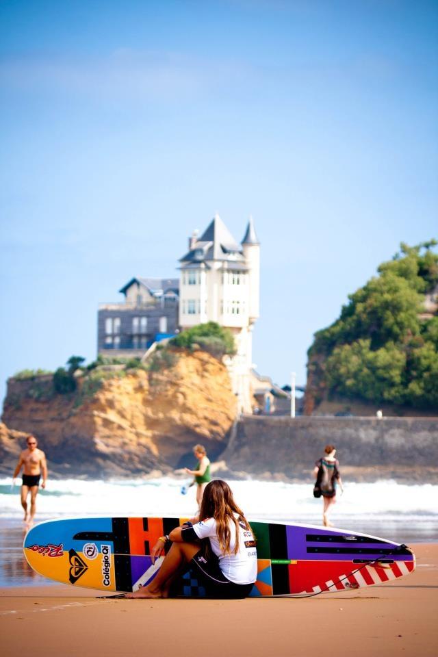 Plage de la côte des Basques avec la #villaBelza en fond, #Biarritz