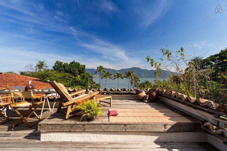 Ganhe uma noite no Suíte independente a 50m da praia - Casas para Alugar no Airbnb!