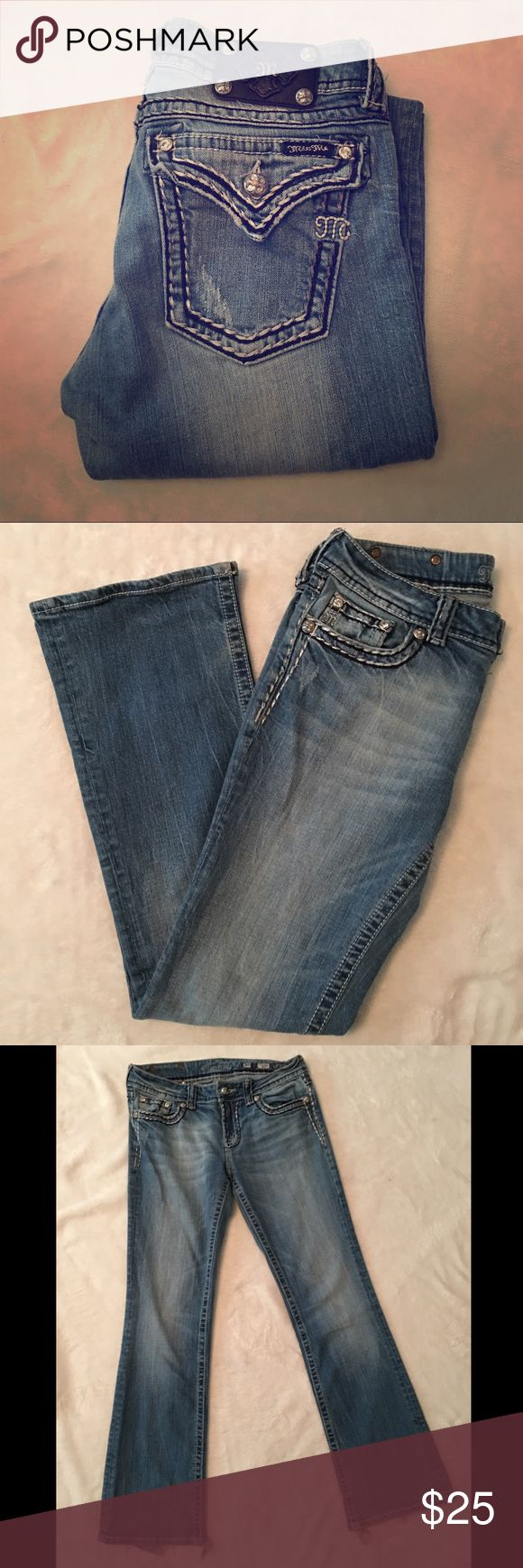 MISS ME jeans JS5014B32V BOOT design MISS ME jeans. These jeans have had lots of love, but still have lots of life in them! Feel free to ask for measurements as I can provide if needed! Offers welcome! Prompt shipping! Happy poshing!☺️💕 Miss Me Jeans Flare & Wide Leg