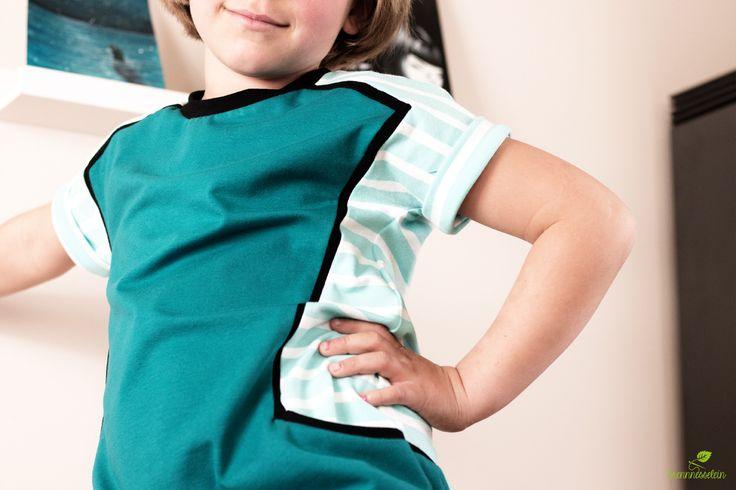 Ein weiterer Nore Dress - unser Lieblingsschnitt für ein alltagstaugliches Sommerkleid aus Jersey! Hier habe ich den Schnitt noch mit einen Zwischenstreifen (schwarz) ergänzt.  Mädchenkleid, Schnittmuster von Compagnie M.