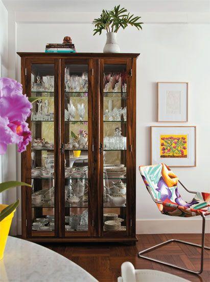 sala decorada com cristaleira - Pesquisa Google