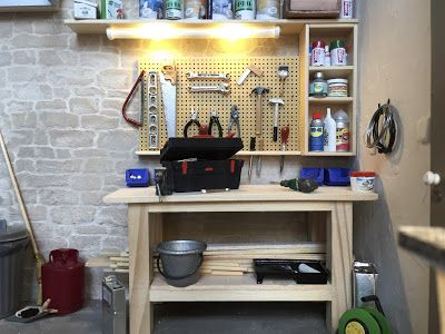 1:12 scale modern model houses: Garage with laundry and work bench
